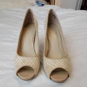 Nine West Tweed White/Tan Pumps 8M